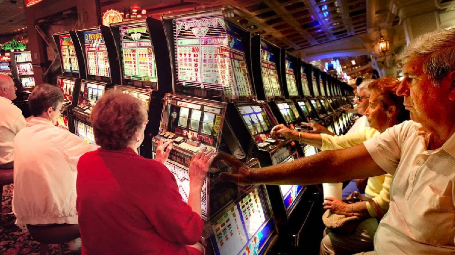 MAJOR ADVANTAGE OF PLAYING ONLINE SLOT GAMES