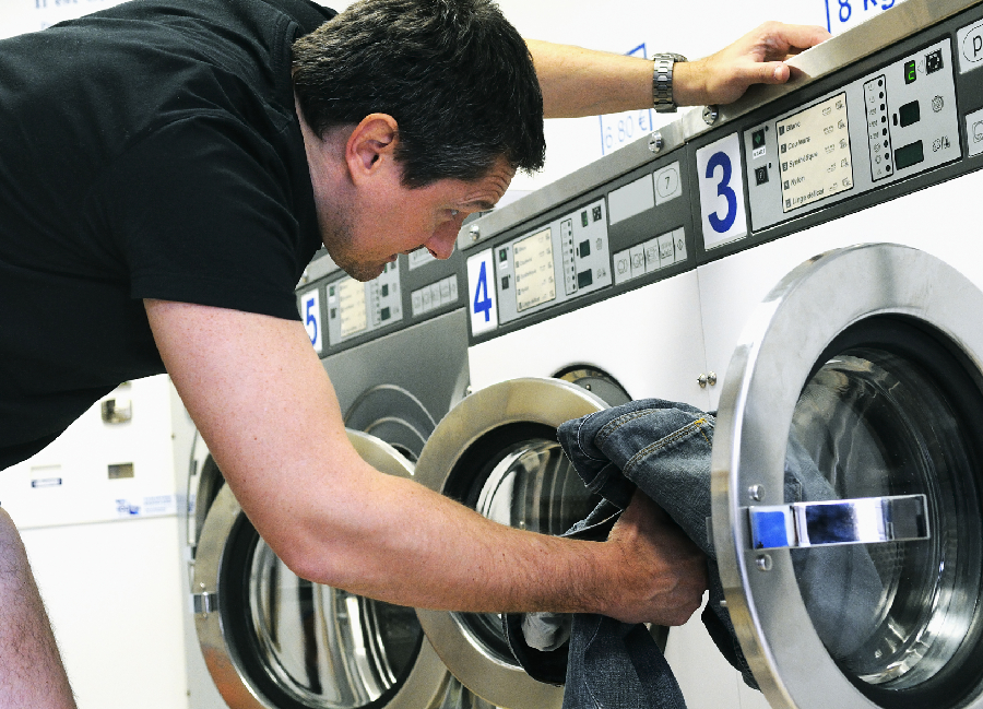Is it Better to Buy or Lease Washer and Dryer Equipment?