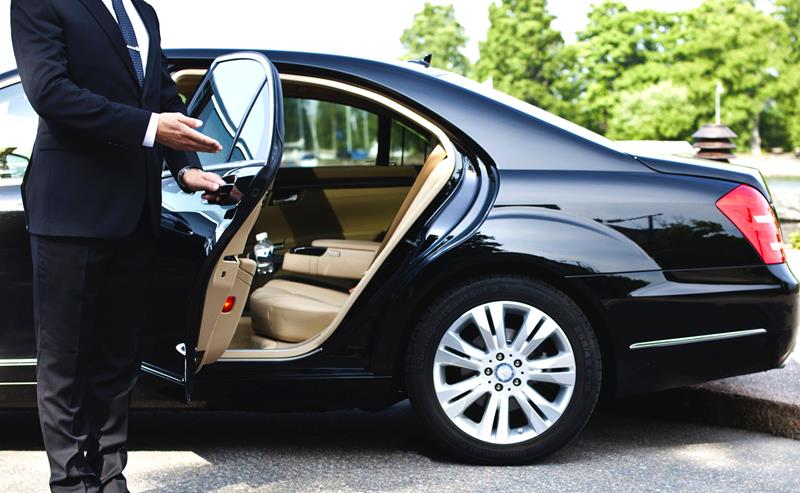 Experience an Airport Transfer without Any Complication in Rome