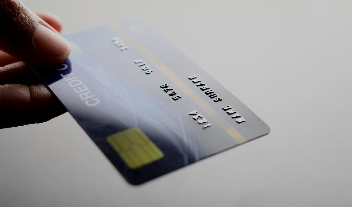 5 Reasons Why You Should Switch to Credit Cards in 2021